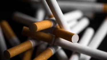 """La lutte contre le tabac de contrebande est la """"priorité"""" du gouvernement."""