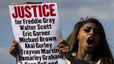 Depuis août 2014 et la mort de Michael Brown, les décisions de justice ont souvent innocenté les policiers auteurs de violences.