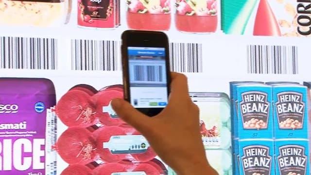 Il suffit de scanner le code-barres de l'article pour effectuer son achat (Photo: Capture d'écran Tesco.uk)