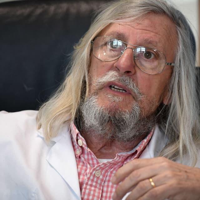 """Coronavirus: pour Didier Raoult, """"nous vivons dans une société terrifiée"""""""