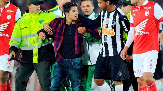 Ronaldinho (Atlético Mineiro) à Bogota