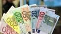 La déduction d'impôt au titre des dons aux associations pourrait disparaître, a déclaré le ministre du Budget, François Baroin, qui n'a pas encore tranché la question.