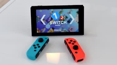 La Nintendo Switch conserve le même design.