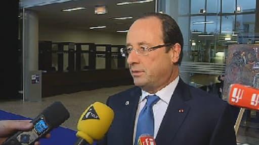 """François Hollande parle d'une """"bataille qui continue"""" au sujet du chômage."""