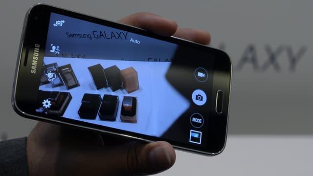 Le Samsung Galaxy S5 fait partie des smartphones concernés.