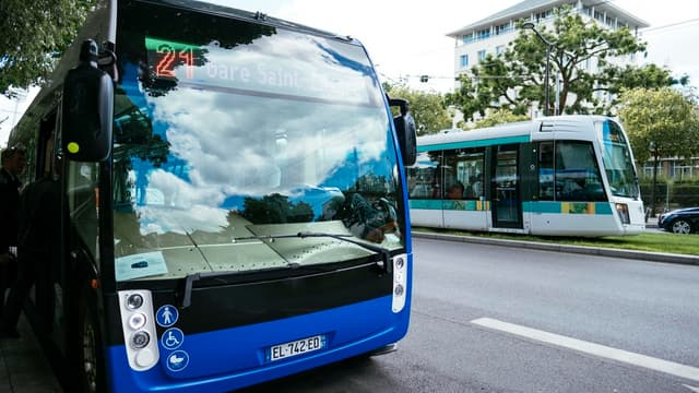 Bus électrique Aptis