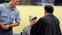 Ratko Mladic a refusé de dire s'il plaidait coupable ou non coupable des accusations de crimes de guerre, crimes contre l'humanité et génocide lors de sa comparution initiale devant le Tribunal pénal international pour l'ex-Yougoslavie (TPIY), dont la pro