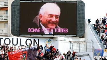DSK est apparu sur le grand écran du stade pendant quelques instants.