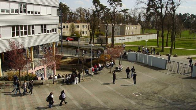 Un lycée (Image d'illustration )