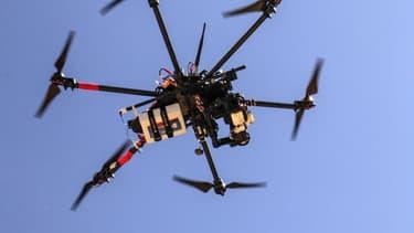 Un nouveau survol de drone a été repéré, ce mardi soir, dans le ciel de Paris, avant que l'appareil ne soit pris en chasse par des policiers en patrouille. (Photo d'illustration)