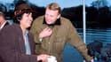 27 novembre 1994: Jean-Marc Ayrault, alors député-maire de Nantes et Taslima Nasreen, condamnée à mort par les fondamentalistes de son pays, lors d'une promenade en péniche sur l'Erdre.