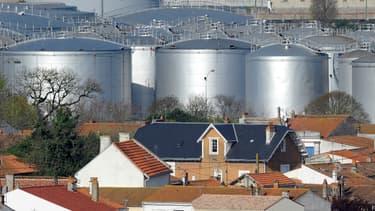 Bernard Cazeneuve a annoncé le renforcement de la vigilance sur tous les sites industriels sensibles.