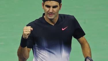 Roger Federer a montré ses talents de danseur au public shanghaïen