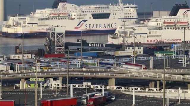 Le compagnie maritime transmanche SeaFrance ne devrait pas éviter la liquidation définitive lundi prochain devant le tribunal de commerce de Paris, les salariés étant divisés sur la manière de sauver cette filiale de la SNCF. /Photo prise le 16 novembre 2