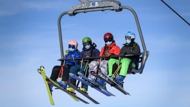 Skieurs dans la station de Verbier, en Suisse, le 15 novembre 2020