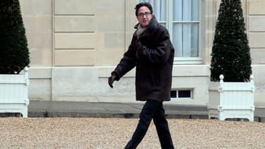 Aquilino Morelle, conseiller de François Hollande, est accusé de conflit d'intérêts avec l'industrie pharmaceutique.