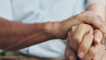 Découverte en 1906, la maladie d'Alzheimer est une affection du cerveau dite neuro-dégénérative, qui entraîne une disparition progressive des neurones.