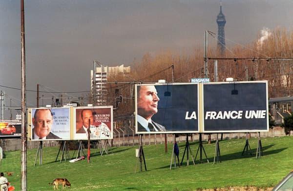 """L'affiche de campagne de François Mitterrand en 1988, """"La France unie"""", a le génie de l'évidence, même si Jacques Pilhan la jugera """"conformiste"""""""