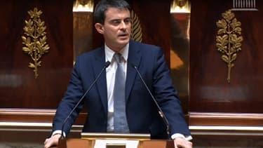 Manuel Valls veut poursuivre la baisse des prélèvements obligatoires.