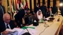 Lors d'une réunion des ministres des Affaires étrangères des pays membres de la Ligue arabe, jeudi au Caire. L'organisation panarabe a donné jusqu'à vendredi à la Syrie pour accepter des observateurs sur son territoire, sous peine de sanctions économiques
