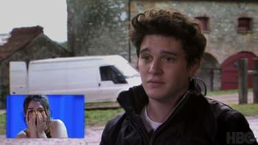 Maisie Williams amusée de voir Kit Harington au début de la série