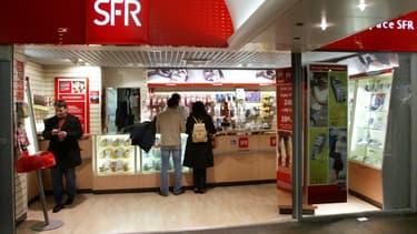 Les syndicats de Bouygues Telecom et SFR craignent des suppressions de poste en masse dès 2017, à la fin des garanties sur le maintien dans l'emploi chez SFR.