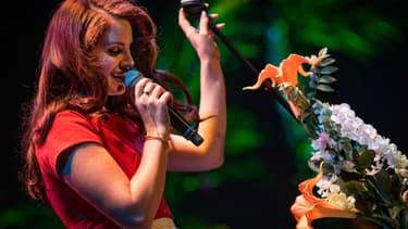 Lana Del Rey sur scène à Los Angeles, le 9 février 2016