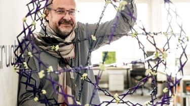 Elmar Mock, 66 ans, a co-inventé la Swatch et posé son nom sur 200 familles de brevets.