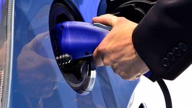 Les chauffeurs UberGreen ne feront plus la queue pour faire le plein. Pour eux, l'essence devient accessoire, voire inutile.