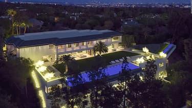 Une luxueuse propriété située dans un quartier huppé de Los Angeles à vendre pour 150 millions de dollars. C'est la 2ème maison la plus chère des États-Unis.