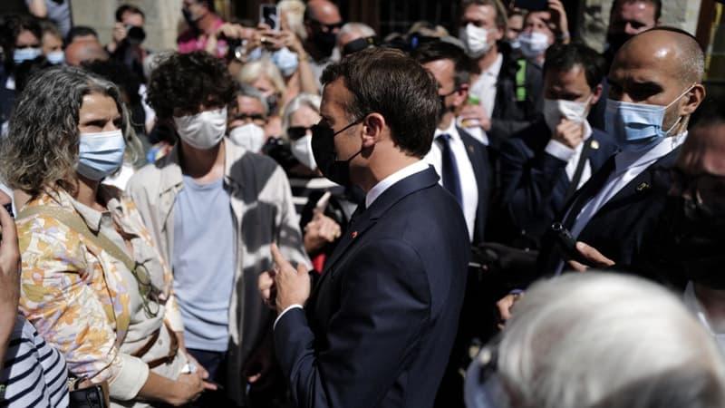 Pourquoi le tour de France de Macron fait jaser les oppositions