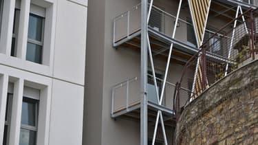 Les mises en chantier ralentissent leur chute entre mars et mai 2013.
