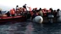 Des migrants secourus au large de la Libye par l'Aquarius.