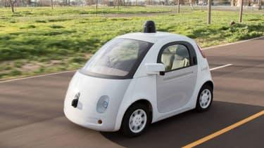 La Californie veut durcir sa législation avant l'utilisation par le grand public de véhicules autonomes comme la Google Car.