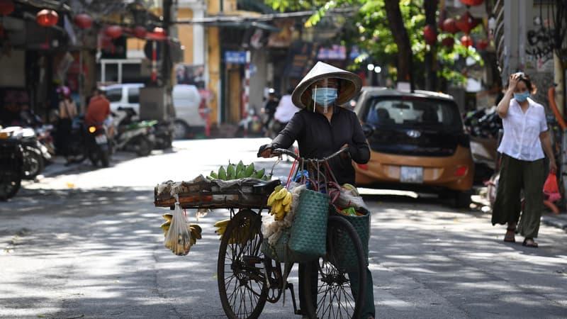 """le Vietnam affirme avoir découvert un nouveau variant """"combinant le virus indien et le britannique"""""""
