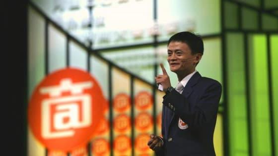 """Jack Ma, le président d'Alibaba, se dit très """"intéressé"""" par le rachat de Yahoo (Reuters)"""