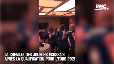 La chenille des joueurs écossais après la qualification pour l'Euro 2021