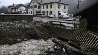 Image d'illustration des dégâts réalisés par la  tempête Eelanor dans le village de Moretel-de-Mailles, en Auvergne-Rhone-Alpes.