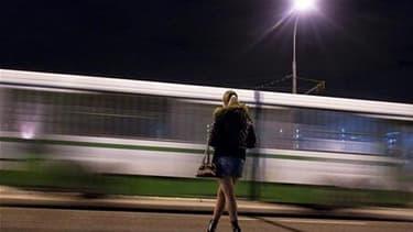 Trente-trois pour cent des étudiantes et étudiants berlinois n'excluent pas d'user de leurs charmes pour financer leurs études - soit en se livrant à la prostitution, soit en s'exhibant dans des spectacles coquins ou sur internet. /Photo d'archives/REUTER