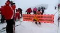 La neige est au rendez-vous pour les vacances scolaires mais le risque d'avalanches est très élevé dans les Alpes.