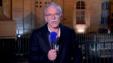 Jean-Pierre Fouillot, le père d'Alexia, à la sortie du palais de justice de Vesoul après la condamnation de Jonathann Daval