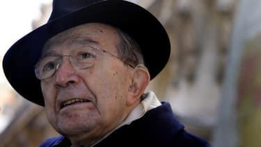 L'ancien président du Conseil Giulio Andreotti, figure marquante de la vie politique italienne pendant un demi-siècle, est mort à l'âge de 94 ans. Responsable de la défunte Démocratie chrétienne, emportée par les scandales de corruption dans les années 19