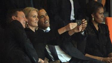 """Les trois dirigeants en plein """"selfie""""... Que va devenir ce fameux cliché?"""