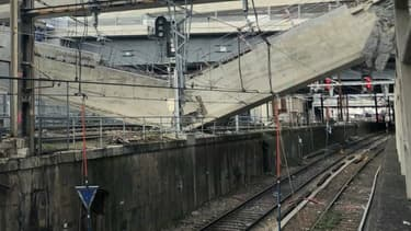 Une poutre s'est effondrée sur les voies du RER C