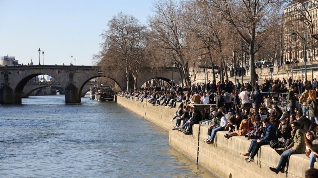 Covid-19: réunions séparées lundi pour décider de nouvelles mesures à Paris et en Ile-de-France - BFMTV