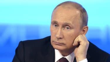 """Vladimir Poutine a participé jeudi à """"Ligne directe avec Vladimir Poutine"""", une émission diffusée pendant 4 heures 30 en direct par trois chaînes de télévision et trois radios fédérales du pays."""