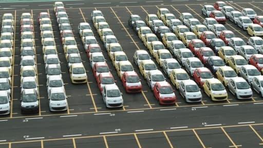 La nouvelle norme européenne sur le CO2 obligerait les Français à développer de nouveaux moteurs, qui consomment moins de carburant.