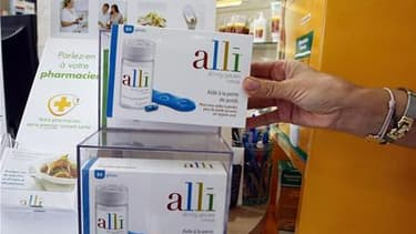Les autorités sanitaires américaines ont décidé que le médicament contre l'obésité Xenical commercialisé par Roche et sa version vendue sans ordonnance Alli, distribuée par GlaxoSmithKline, seraient désormais assortis d'une nouvelle mise en garde contre d