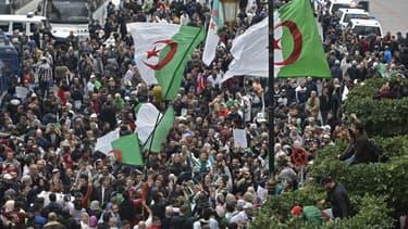Des manifestants anti-régime à Alger le 20 décembre 2019.