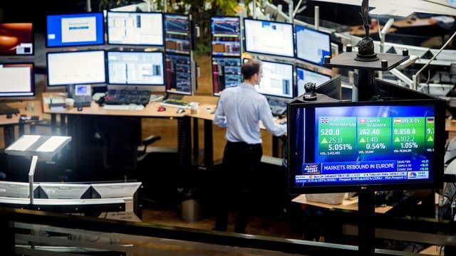 Les bourses européennes terminent un excellent mois d'octobre, le CAC40 gagnant 9.7% sur la période, avec les banques centrales et les ésultats d'entreprises.